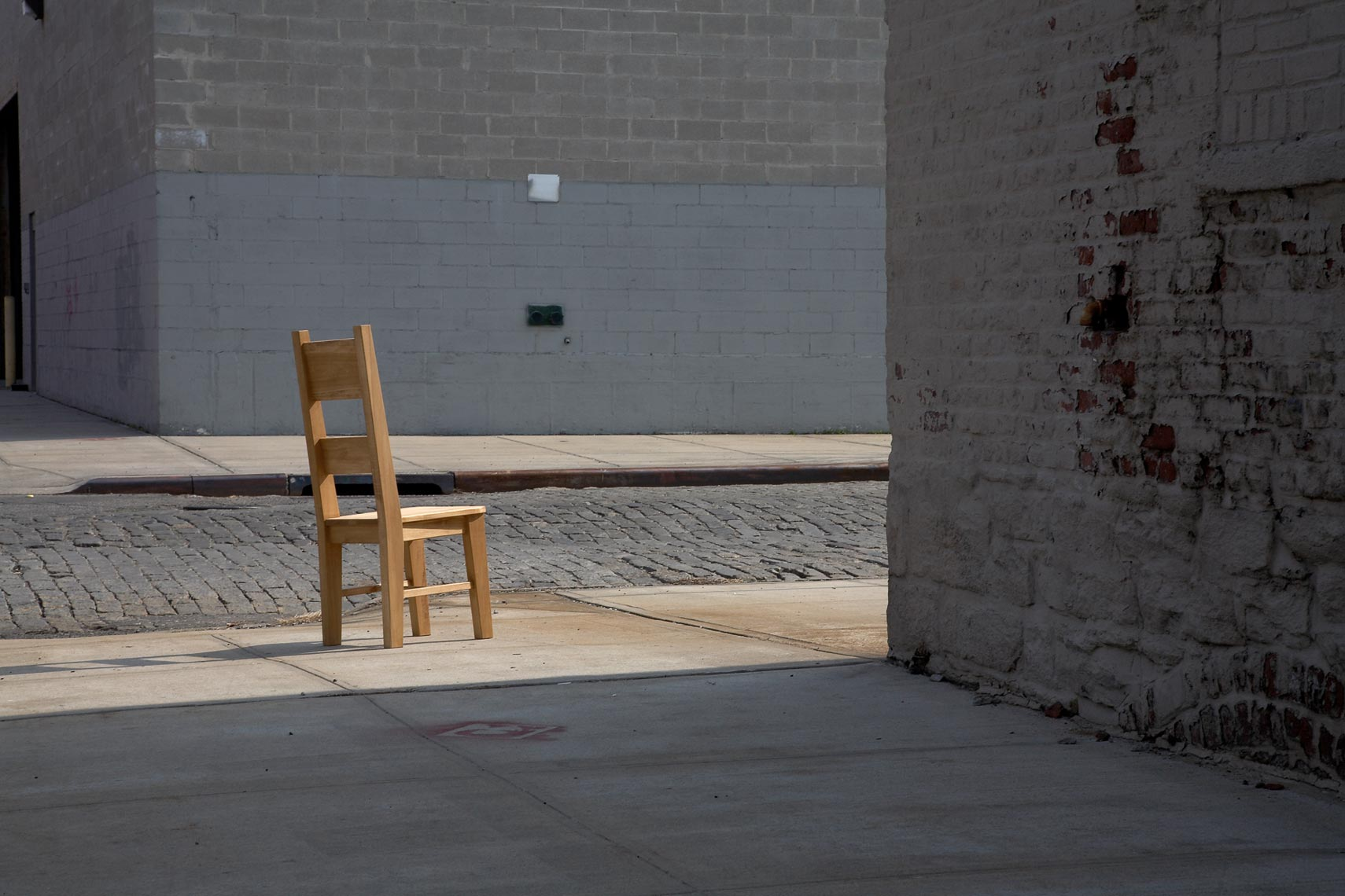 Chair_on_streetcorner.jpg